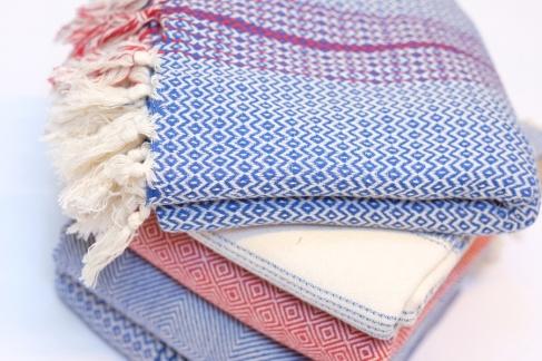 NEW - onmisbaar in de zomer - handdoek of sjaal in de zachtste katoen - https://bingenella.com/knushandlewithlove - 16.03.2016